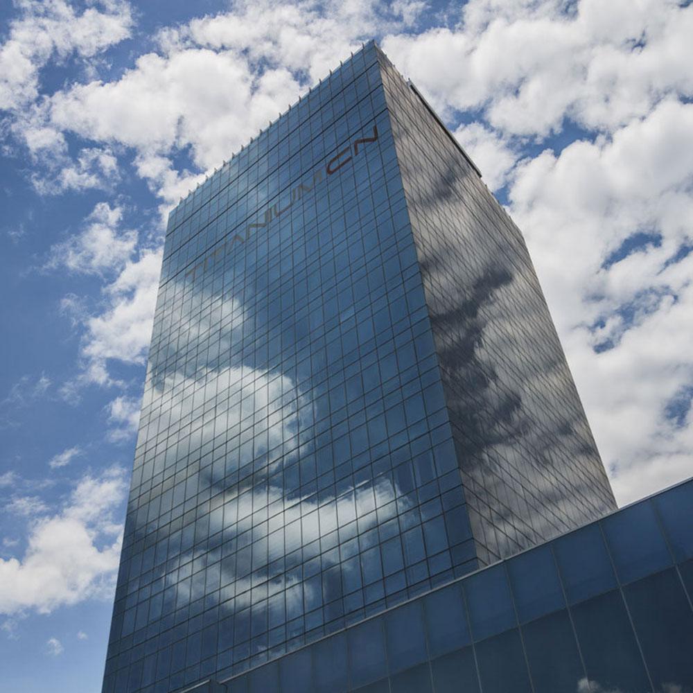 Fachada de torre Titanium CN